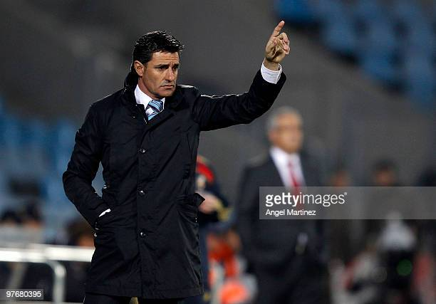 Head coach Michel Gonzalez of Getafe gestures during the La Liga match between Getafe and Mallorca at Coliseum Alfonso Perez on March 13 2010 in...