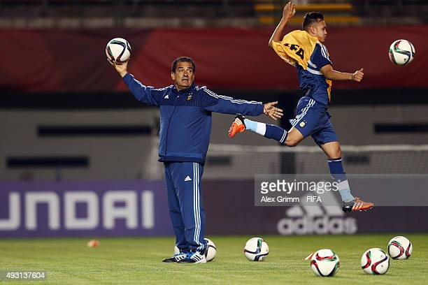 Head coach Miguel Lemme attends a Argentina training session at Estadio Nelson Oyarzun Arenas stadium ahead of the FIFA U-17 World Cup Chile 2015 on...