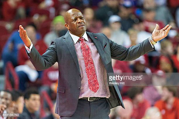 Head Coach Mike Anderson of the Arkansas Razorbacks reacts to his teams play during a game against the LSU Tigers at Bud Walton Arena on February 23...