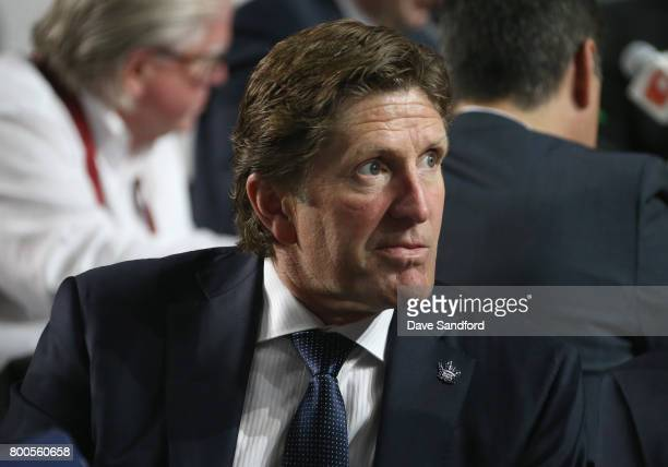 Head coach Mike Babcock of the Toronto Maple Leafs looks on during the 2017 NHL Draft at United Center on June 24 2017 in Chicago Illinois
