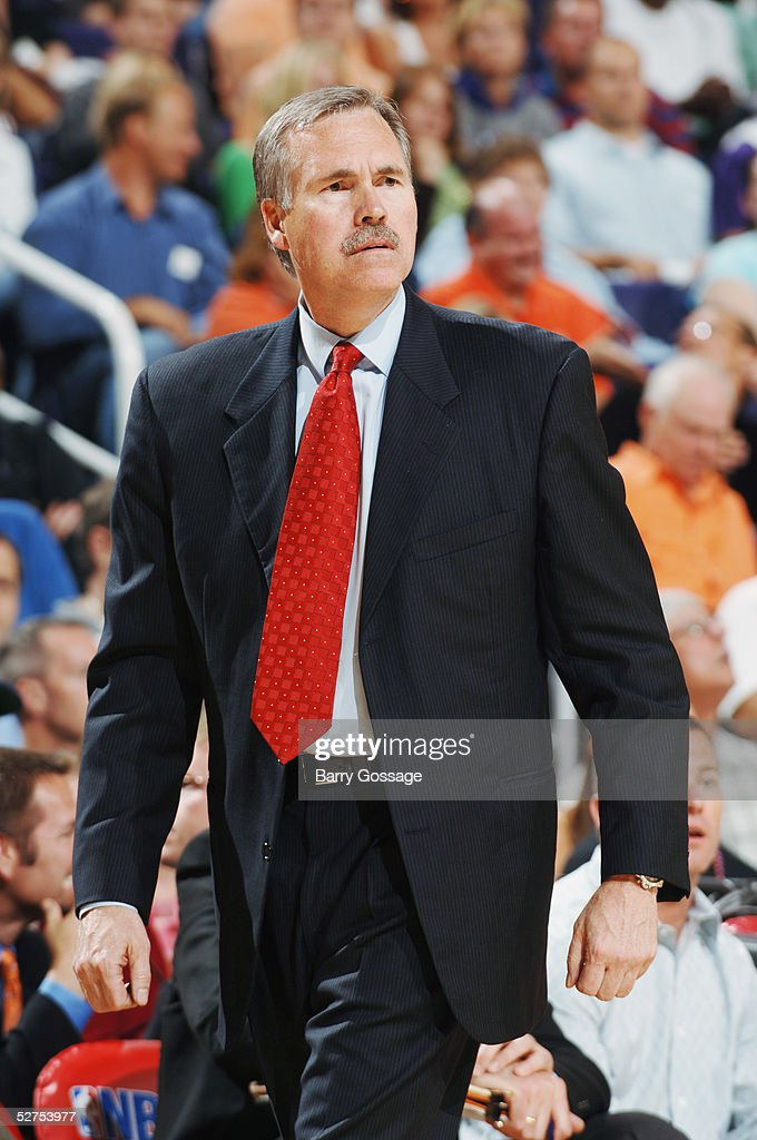 Head coach Mike D'Antoni of the Phoenix Suns watches the action against the Memphis Grizzlies in Game one of the Western Conference Quarterfinals during the 2005 NBA Playoffs at America West Arena on April 24, 2005 in Phoenix, Arizona. The Suns won 114-103 to take a 1-0 series lead.