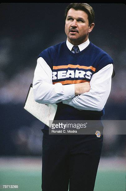 Head Coach Mike Ditka of the Chicago Bears during Super Bowl XX against the New England Patriots on January 26, 1986 in New Orleans, Louisiana.