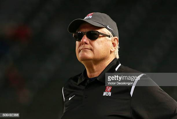 Head coach Mike Martz of National Team looks on from the side line during the NFLPA Collegiate Bowl between the American Team and the National Team...