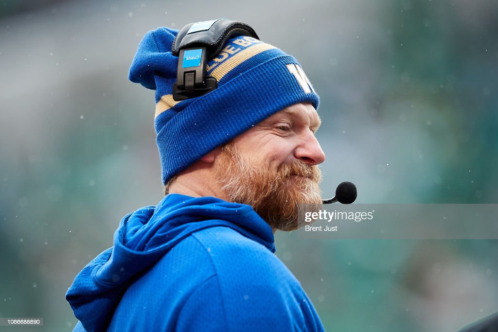 Western Semi-Final - Winnipeg Blue Bombers v Saskatchewan Roughriders : News Photo