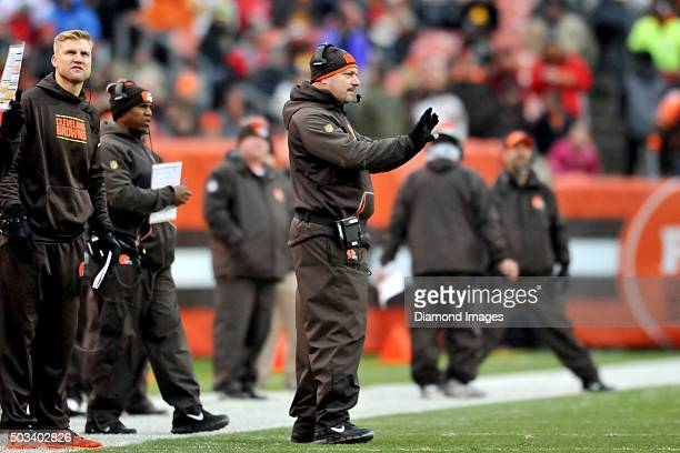 Head coach Mike Pettine of the Cleveland Browns gestures toward the offense during a game against the Pittsburgh Steelers on January 3 2016 at...