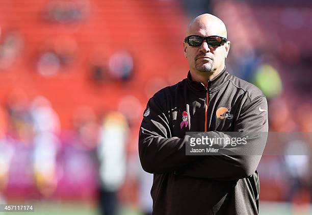 Head coach Mike Pettine of the Cleveland Browns looks on during warmups prior to the game against the Pittsburgh Steelers at FirstEnergy Stadium on...