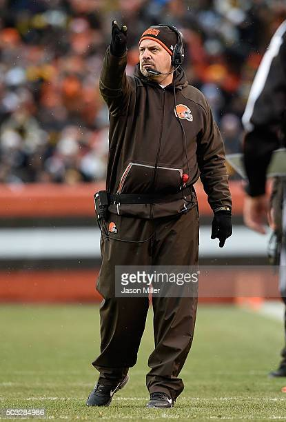 Head coach Mike Pettine of the Cleveland Browns signals during the third quarter against the Pittsburgh Steelers at FirstEnergy Stadium on January 3...