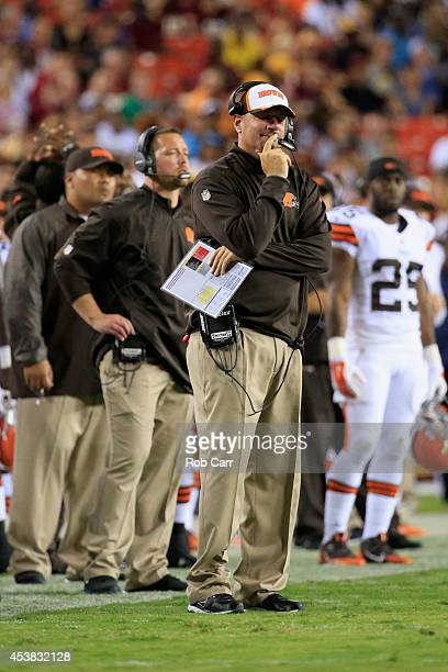 Head coach Mike Pettine of the Cleveland Browns stands on the sideline during a preseason game against the Washington Redskins at FedExField on...