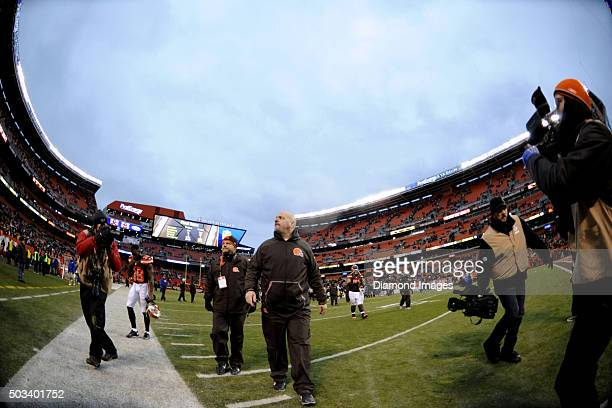 Head coach Mike Pettine of the Cleveland Browns walks off the field after a game against the Pittsburgh Steelers on January 3 2016 at FirstEnergy...