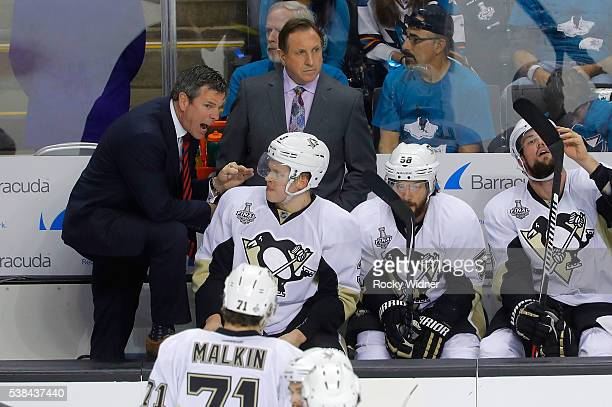 Head Coach Mike Sullivan of the Pittsburgh Penguins talks to his players on the bench during the second period of Game Four of 2016 NHL Stanley Cup...