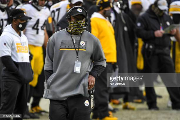 Head coach Mike Tomlin of the Pittsburgh Steelers looks on during the fourth quarter against the Cleveland Browns at FirstEnergy Stadium on January...