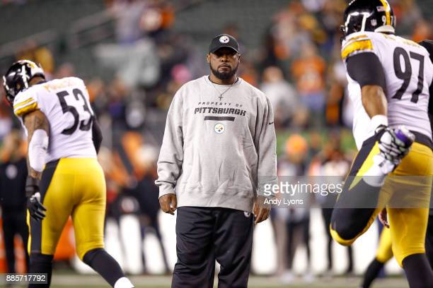 Head coach Mike Tomlin of the Pittsburgh Steelers looks on prior to the game against the Cincinnati Bengals at Paul Brown Stadium on December 4 2017...