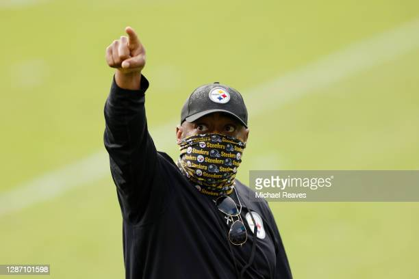 Head coach Mike Tomlin of the Pittsburgh Steelers reacts after his team's 27-3 win against the Jacksonville Jaguars at TIAA Bank Field on November...
