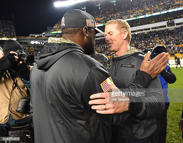 Head Coach Mike Tomlin of the Pittsburgh Steelers shakes hands with Head Coach Jason Garrett of the Dallas Cowboys at the conclusion of the Dallas...