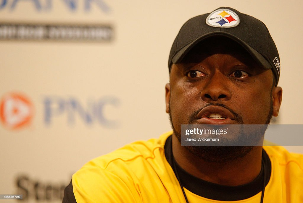 Pittsburgh Steelers Practice : News Photo