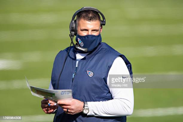 Head Coach Mike Vrabel of the Tennessee Titans on the sidelines during their AFC Wild Card Playoff game against the Baltimore Ravens at Nissan...
