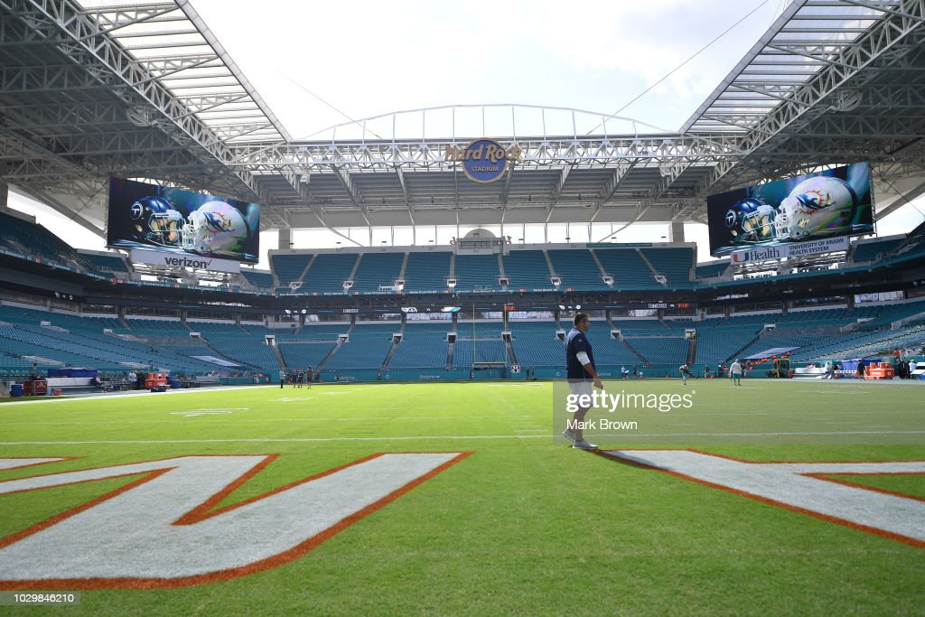 Head coach Mike Vrabel of the Tennessee Titans walks on the field before the game against the Miami Dolphins at Hard Rock Stadium on September 9, 2018 in Miami, Florida.