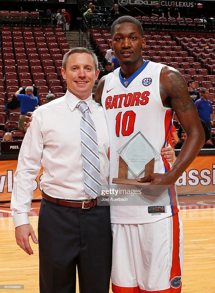 MetroPCS Orange Bowl Basketball Classic - Oklahoma State v Florida : News Photo