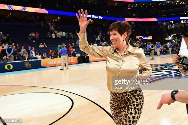 Head coach Muffet McGraw of the Notre Dame Fighting Irish waves to cheering fans after beating the Connecticut Huskies at Amalie Arena on April 5...