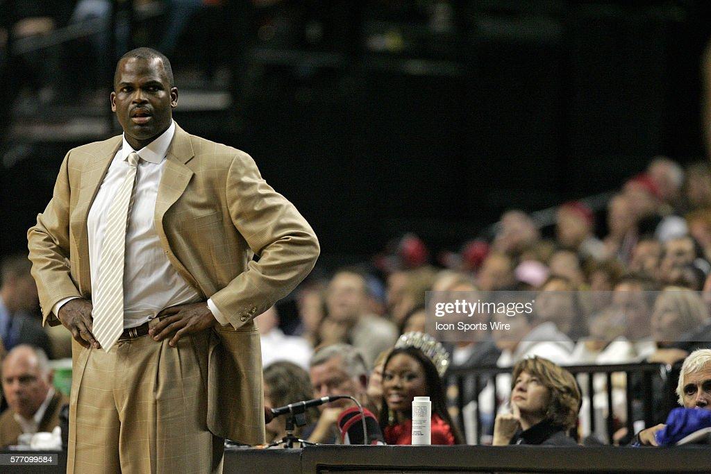 Basketball - NBA - Timberwolves vs. Trailblazers : News Photo
