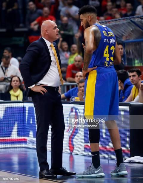 Head coach Neven Spahija speaks with the Jonah Bolden of Maccabi during the 2017/2018 Turkish Airlines EuroLeague Regular Season game between Crvena...