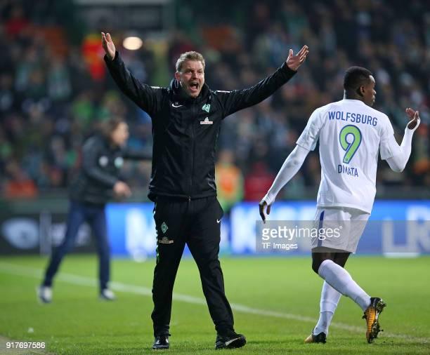 Head coach 'nFlorian Kohfeldt Nany Landry Dimata during the Bundesliga match between SV Werder Bremen and VfL Wolfsburg at Weserstadion on February...