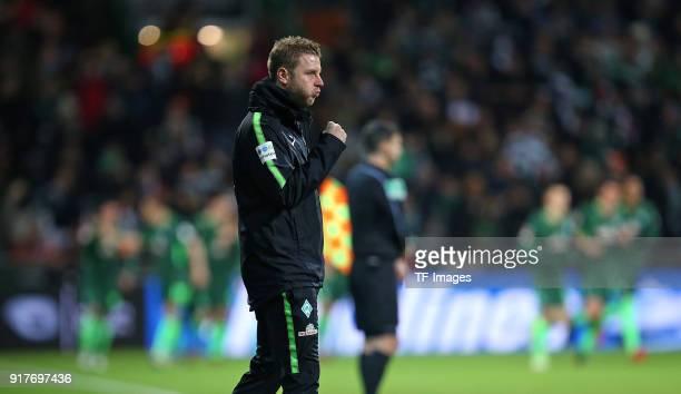 Head coach 'nFlorian Kohfeldt of Werder Bremen 'ncelebrates 'nhis team`s first goal 'n during the Bundesliga match between SV Werder Bremen and VfL...