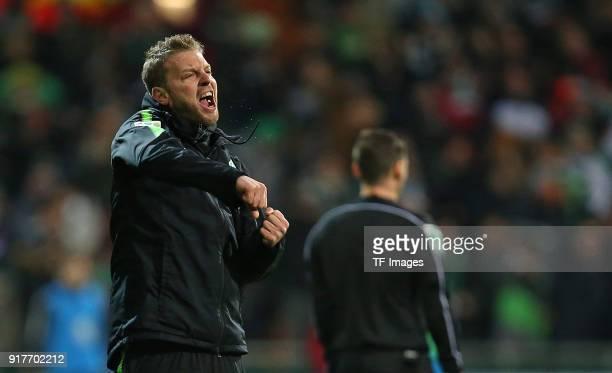 Head coach 'nFlorian Kohfeldt of Werder Bremen 'ncelebrates 'nhis team`s second 'ngoal 'n during the Bundesliga match between SV Werder Bremen and...