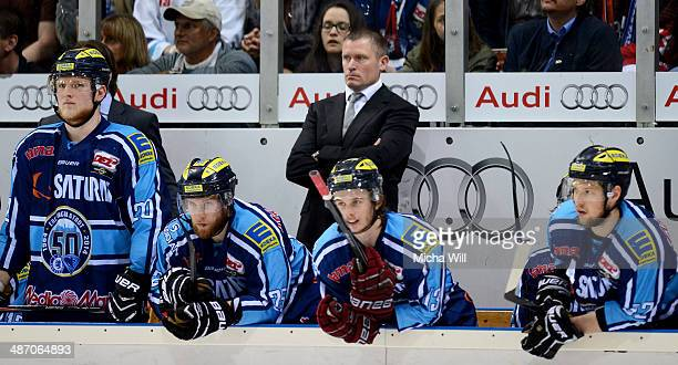 Head coach Niklas Sunblad of Ingolstadt and his players look on in game six of the DEL final playoffs between ERC Ingolstadt and Koelner Haie at...