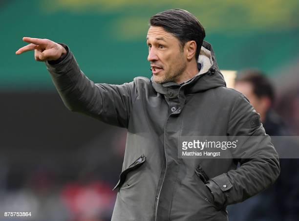 Head coach Niko Kovac of Frankfurt gestures during the Bundesliga match between TSG 1899 Hoffenheim and Eintracht Frankfurt at Wirsol...