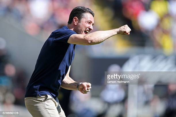 Head coach Niko Kovac of Frankfurt reacts during the Bundesliga match between Eintracht Frankfurt and Borussia Dortmund at CommerzbankArena on May 07...