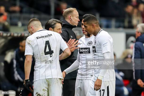 Head coach Niko Kovac of Frankfurt speaks with KevinPrince Boateng of Frankfurt and Carlos Joel Salcedo Hernandez of Frankfurt during the Bundesliga...