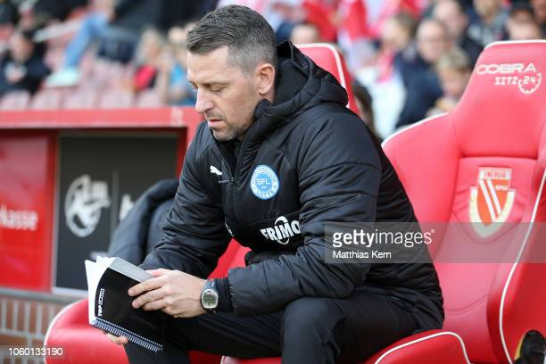 Head coach Nils Drube of Lotte looks on prior to the 3 Liga match between FC Energie Cottbus and VfL Sportfreunde Lotte at Stadion der Freundschaft...
