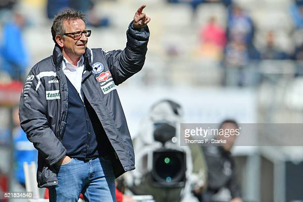 Head coach Norbert Meier gives advice to his team during the Second Bundesliga match between Arminia Bielefeld and 1 FC Kaiserslautern at Schueco...