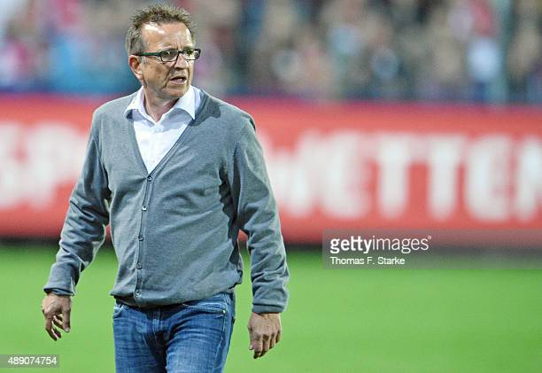 Head coach Norbert Meier looks on during the Second Bundesliga match between SC Freiburg and Arminia Bielefeld at SchwarzwaldStadion on September 18...