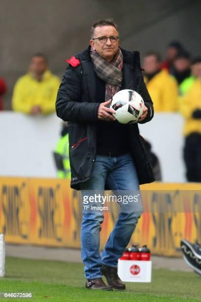 Head coach Norbert Meier of Kaiserslautern in action during the Second Bundesliga match between VfB Stuttgart and 1 FC Kaiserslautern at MercedesBenz...