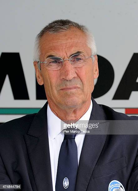 Head coach of AC Chievo Verona Edoardo Reja watching the game during the Serie A match between AC Chievo Verona and Atalanta BC at Stadio...