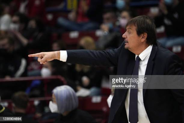 Head coach of Anadolu Efes Ergin Ataman gestures during the Turkish Airlines EuroLeague match between AX Armani Exchange Olimpia Milan and Anadolu...