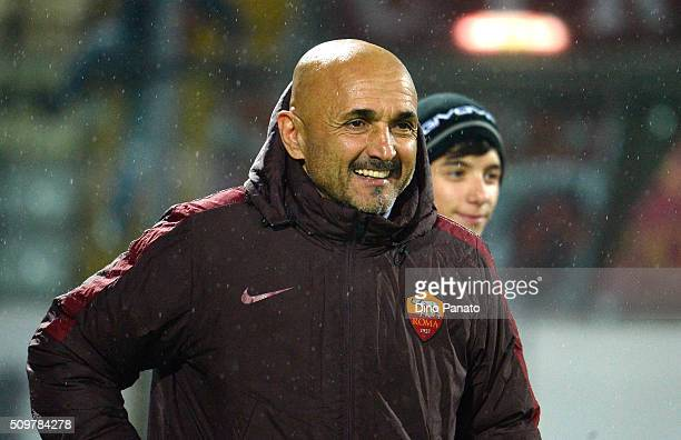 Head coach of AS Roma Luciano Spalletti looks on during the Serie A match between Carpi FC and AS Roma at Alberto Braglia Stadium on February 12 2016...