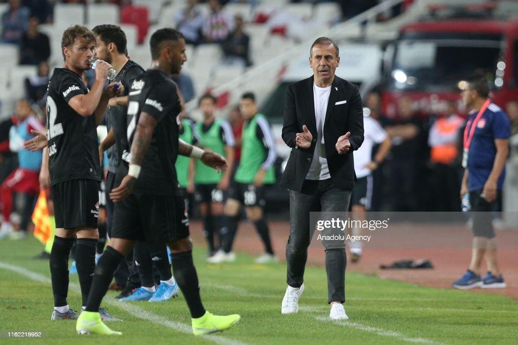 Demir Grup Sivasspor vs Besiktas: Turkish Super Lig : Foto di attualità