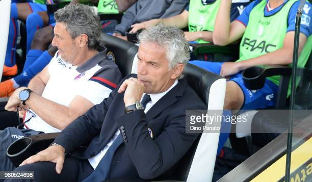 Head coach of Bologna FC Roberto Donadoni looks on during the Serie A match between Udinese Calcio and Bologna FC at Stadio Friuli on May 20 2018 in...