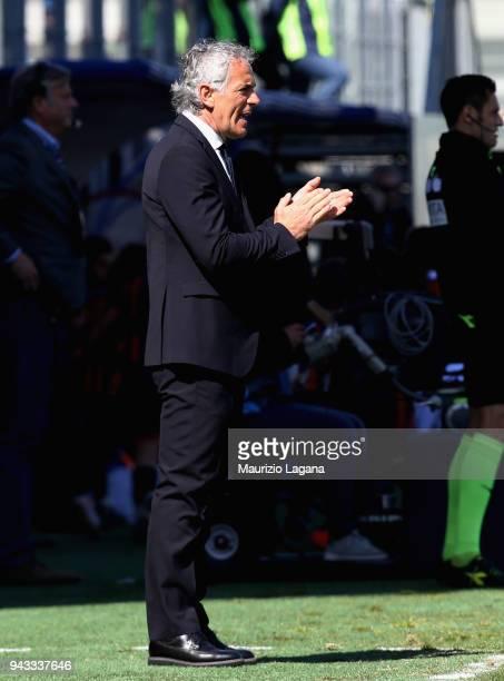 Head coach of Bologna Roberto Donadoni during the serie A match between FC Crotone and Bologna FC at Stadio Comunale Ezio Scida on April 8 2018 in...