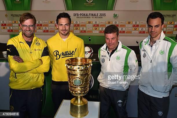 Head coach of Borussia Dortmund Juergen Klopp, team captain of Borussia Dortmund Mats Hummels, head coach of VfL Wolfsburg Dieter Hecking, Team...