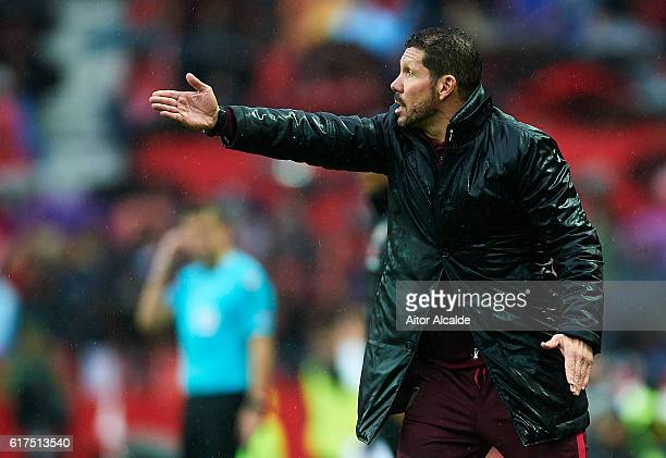 Head coach of Club Atletico de Madrid Diego Pablo Simeone looks on during the match between Sevilla FC vs Club Atletico de Madrid as part of La Liga...