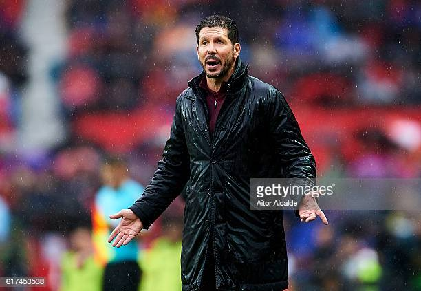 Head coach of Club Atletico de Madrid Diego Pablo Simeone reacts during the match between Sevilla FC vs Club Atletico de Madrid as part of La Liga at...