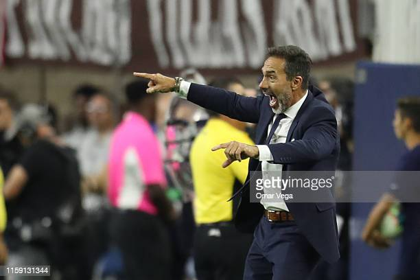 Head coach of Costa Rica Gustavo Matosas reacts during a quarterfinal match between Mexico and Costa Rica as part of 2019 CONCACAF Gold Cup at NRG...