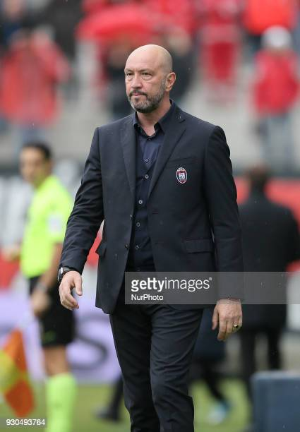 Head coach of Crotone Walter Zenga during the serie A match between FC Crotone and UC Sampdoria at Stadio Comunale Ezio Scida on March 11 2018 in...