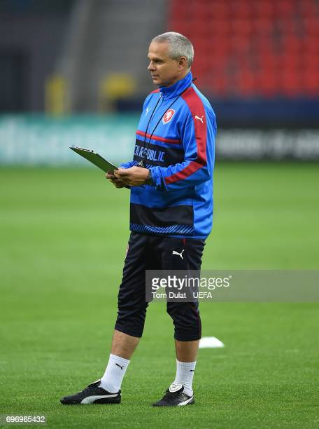 Head coach of Czech Republic Vitezslav Lavicka during a training session at Tychy Stadium on June 17 2017 in Tychy Poland