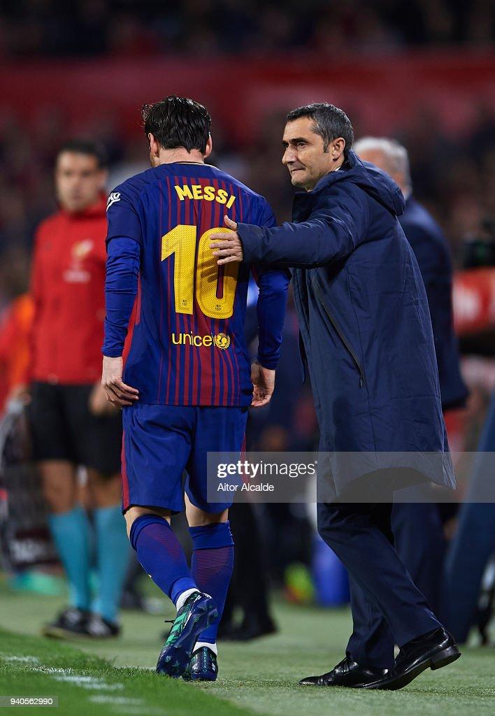Sevilla v FC Barcelona - La Liga : Nieuwsfoto's