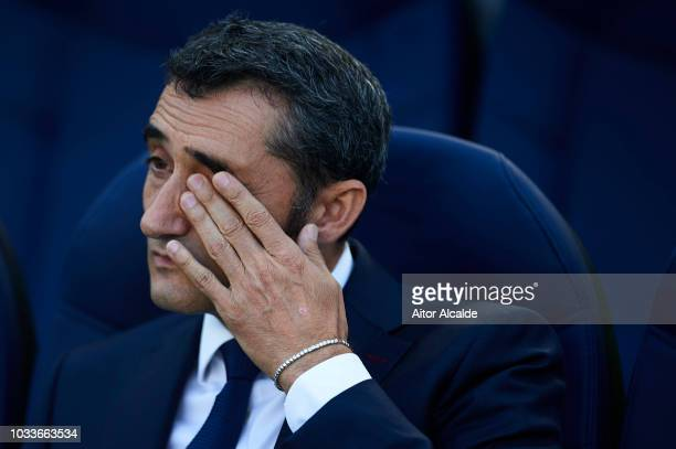 Head Coach of FC Barcelona Ernesto Valverde looks on during the La Liga match between Real Sociedad and FC Barcelona at Estadio Anoeta on September...